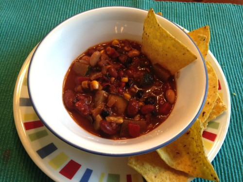 This is a super easy chili recipe that can be made vegetarian or con carne. Yummy warmth on a chilly day! (Ha! See what I did there?)
