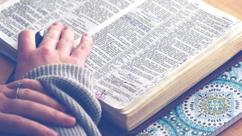 If you're struggling with making personal Bible study a consistent thing, these easy tips will help! Even choosing just one can help your heart TODAY!
